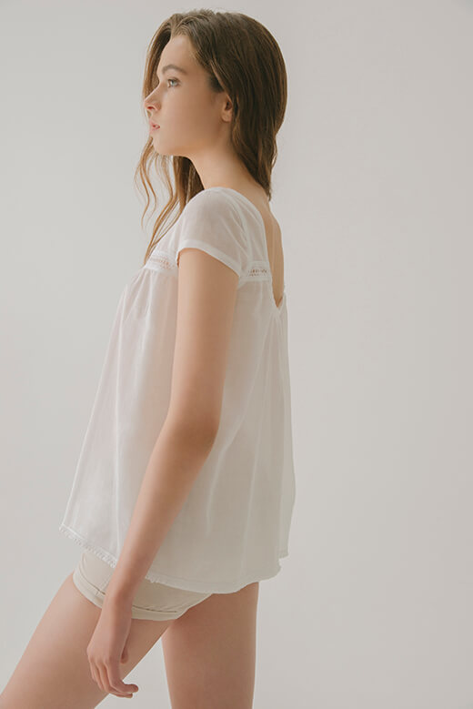 SLEEVELESS TOP WITH LACE BAND