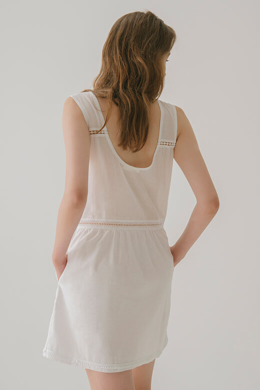 DRESS WITH LACE BAND